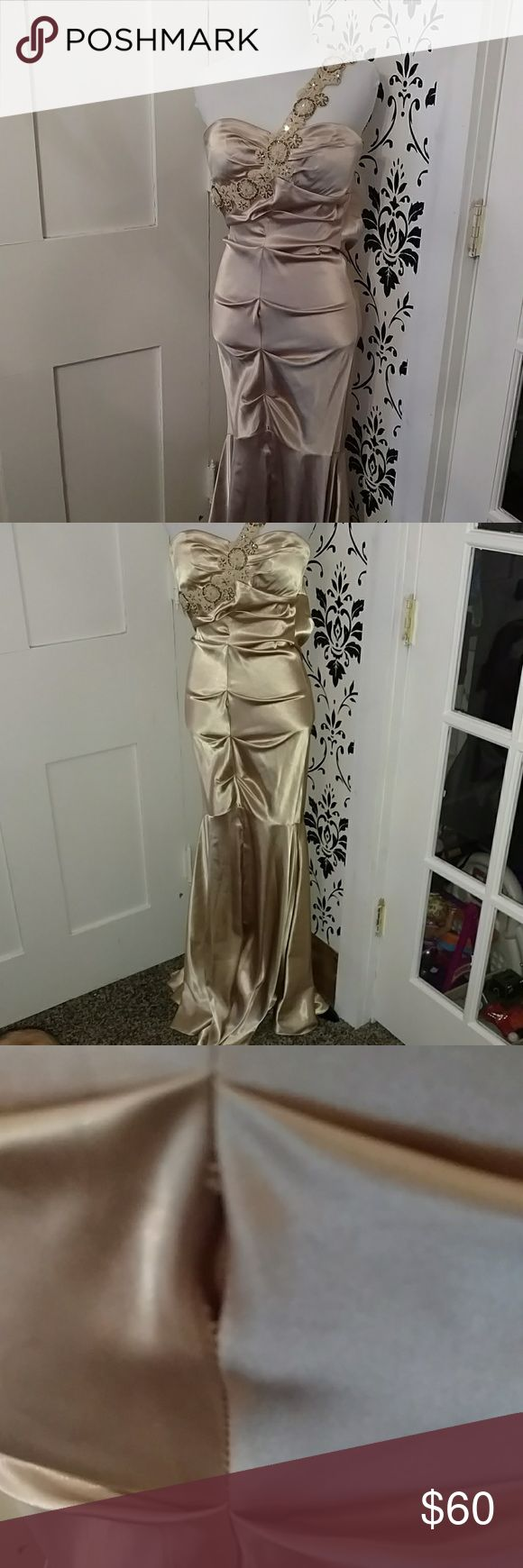 Xscape Size 2 Dress Small spot where the seam is coming apart. Easy fix Xscape Dresses Prom