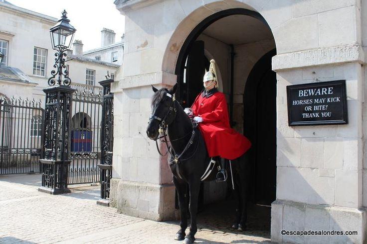 La relève de la garde à cheval ,Horse Guards Parade à Londres