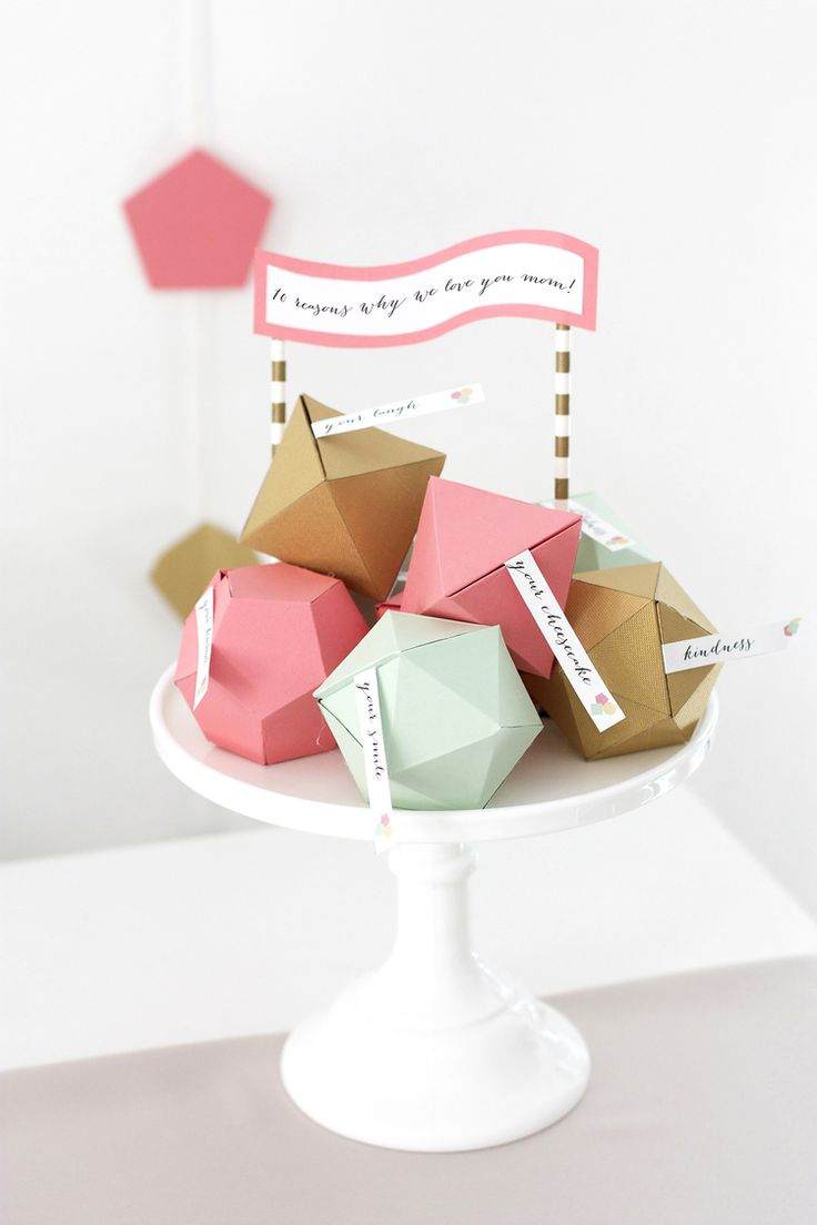 @kristimurphydiy shares Mother's Day Crafts that are perfect year-round, including these lovely Geometric DIY Boxes to store sweet notes and other small presents in. /ES
