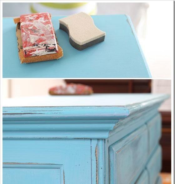 Meubles vintage shabby chic avec peinture bleue et papier - Bleu vintage peinture ...