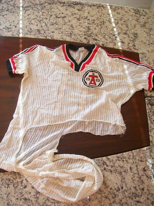 Camisa Associação Tagliari (na partida final da Taça Paraná, em Paranavaí/1979, rasgaram minha camisa. Claro que também guardo como uma relíquia!)
