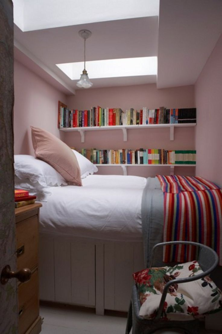 Best 88+ Awesome Tiny Bedroom Design Ideas http://goodsgn.com/tiny-houses/88-awesome-tiny-bedroom-design-ideas/