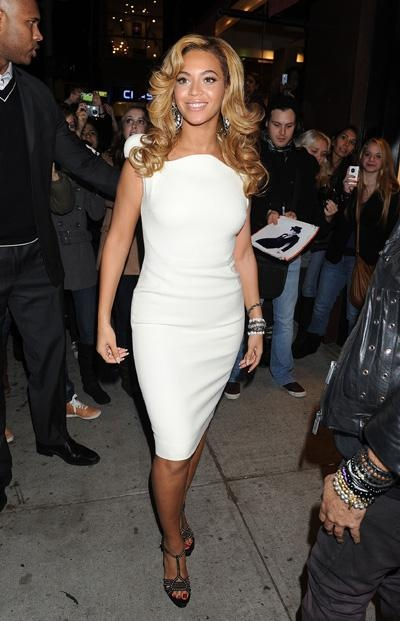 Classy and Beautiful!: Beyonce Pictures - Celebrity Photos at Hollyscoop