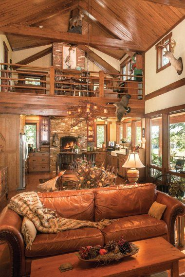 Many cabin style homes have open floor plans and vaulted for Open floor plans with vaulted ceilings