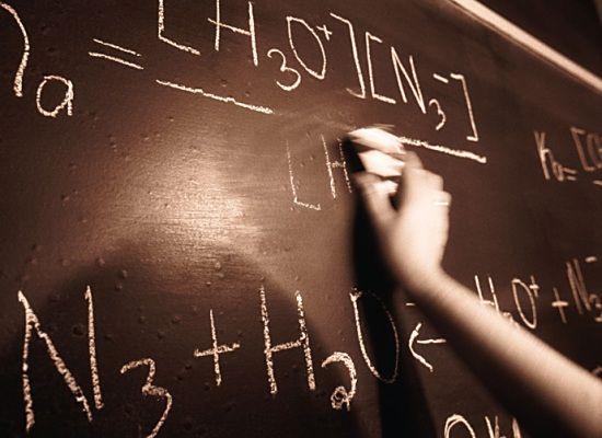 05-10-16 Παγκόσμια ημέρα των εκπαιδευτικών    05-10-16 Παγκόσμια ημέρα των εκπαιδευτικών  Σήμερα 5 Οκτωβρίου η παγκόσμια κοινότητα τιμά τον/την εκπαιδευτικό  γιορτάζοντας την Παγκόσμια Ημέρα Εκπαιδευτικών. Η ημέρα αυτή αποτελεί  μια ευκαιρία για να θυμηθούμε πόσο σημαντικός είναι ο ρόλος των  εκπαιδευτικών γυναικών και ανδρών στη διαμόρφωση της προσωπικότητας  των νέων ανθρώπων στη διάπλαση των αυριανών πολιτών και επομένως στην  οικοδόμηση ενός καλύτερου μέλλοντος.  Ιδιαίτερα στη δύσκολη…
