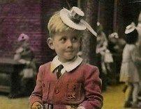 Hendrik Adolf Hagedoorn (* Den Haag 1947) op circa 4 jarige leeftijd op Scheveningen, foto waarschijnlijk op de kleuterschool