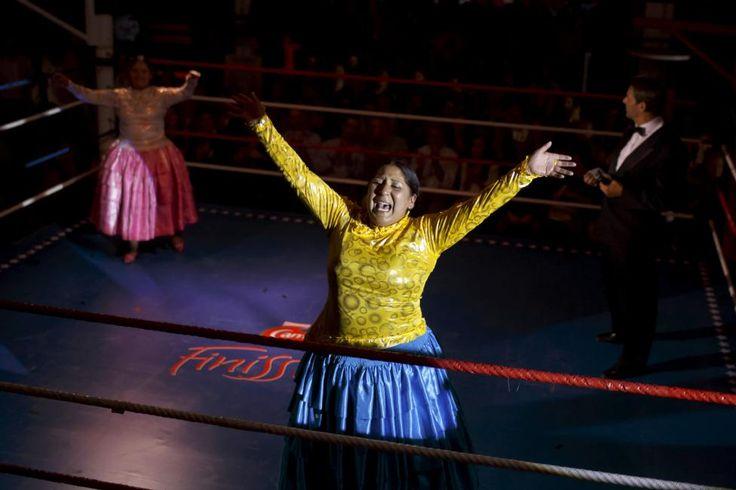 Bolivia's female wrestlers | Reuters.com