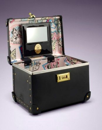 Agent Provocateur: Vanity Case Black ME WANT THIS~