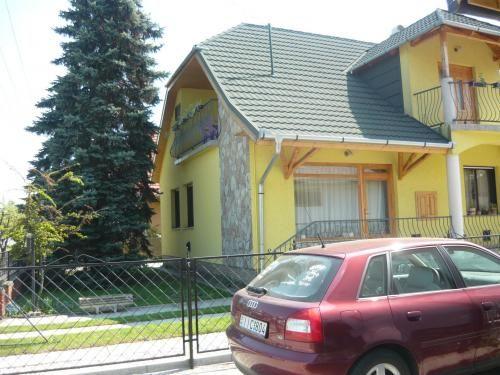 BO-42: Kedvező árú 6-7 fős nyaralóház Balatonbogláron  http://balatoniszallasok.shp.hu/hpc/web.php?a=balatoniszallasok&o=bo_42:_kedvezo_aru_6_fos_nyaralohaz_balatonboglaro_KwsT
