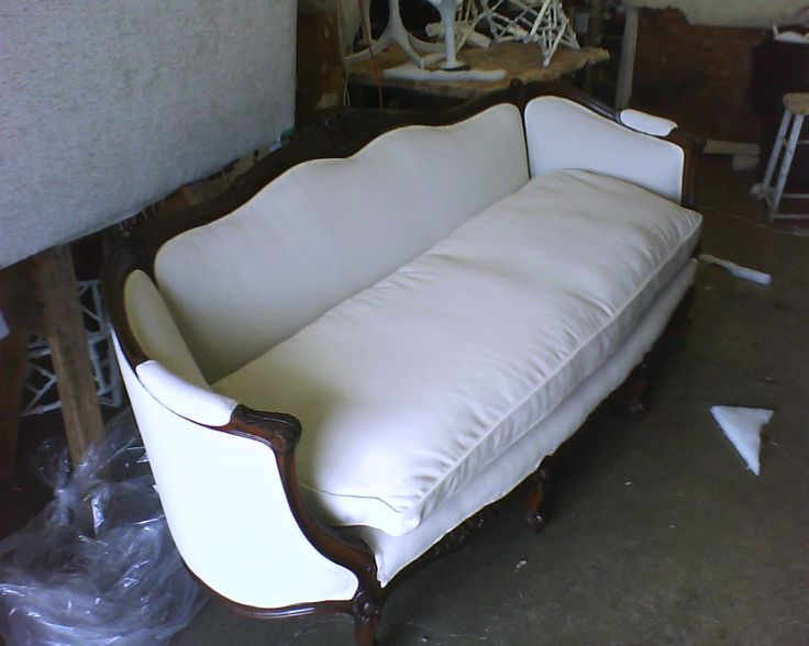 Sofa Sleeper Reupholstered Antique Wood Accent Framed Tight Back Single Goose Down Combo Foam Rubber Sofa with Piping