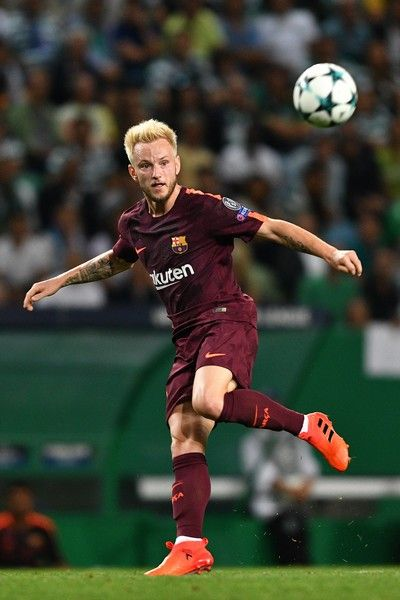 Ivan Rakitic of FC Barcelona in action during the UEFA Champions League group D match between Sporting CP and FC Barcelona at Estadio Jose Alvalade on September 27, 2017 in Lisbon, Portugal.