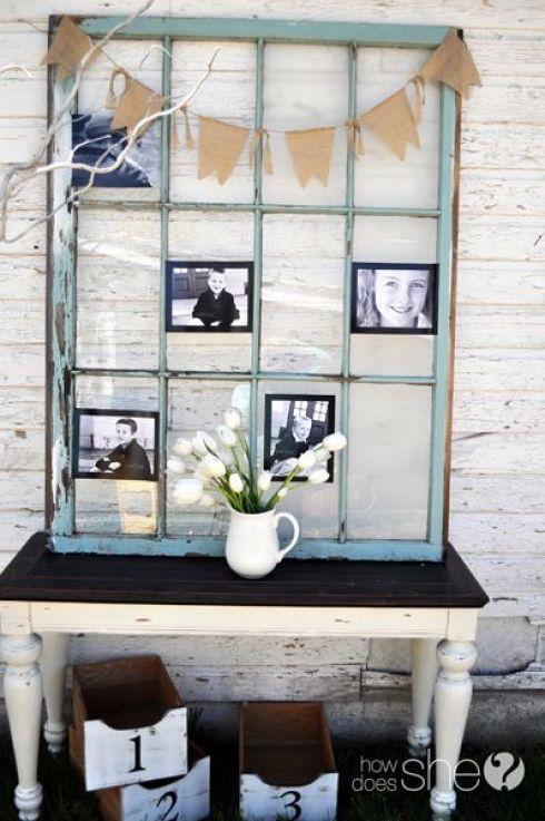 Photos présentées dans une vieille fenêtre