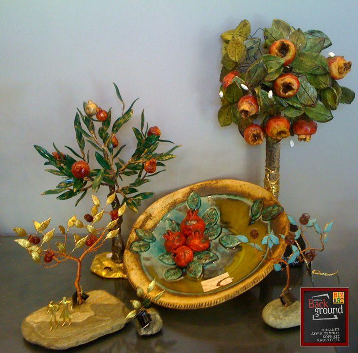 #Ρόδια! Για όλες τις εποχές, για το καλορίζικο, την καρποφορία και την καλοτυχία! Ιδανικά για δώρα #γάμου, επαγγελματικού χώρου αλλά & #διακόσμησης σπιτιού. #Χειροποίητα διακοσμητικά #δώρα -3πιατέλες & δεντράκια #ροδιές- #κεραμεικά -#μέταλλο- #ξύλο