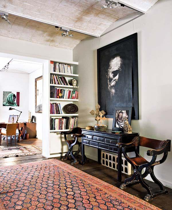: Dark Artworks, Consoles Tables, Interiors Design, Portraits, Rugs, Homes, Big Art, Inspiration Interiors, Photos Shared