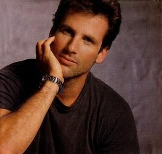 Hart Bochner (October 3, 1956) American writer, scenerist, director and producer, o.a. known from the movies of 'Die hard'.