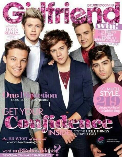 In posa per Girlfriend una rivista australiana