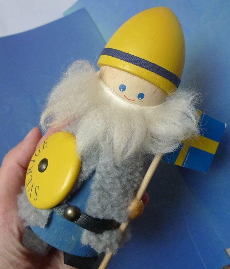 Sweden Souvenir Viking WOODEN WOOD SVERIGE Figurine Figure Wool beard hair Flag