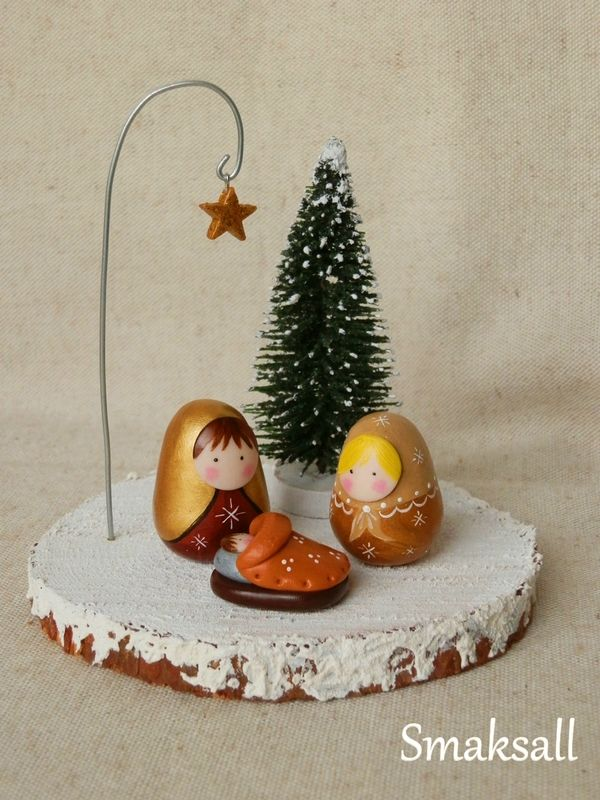 crèche support bois, étoile feutrine poupée Russe 001