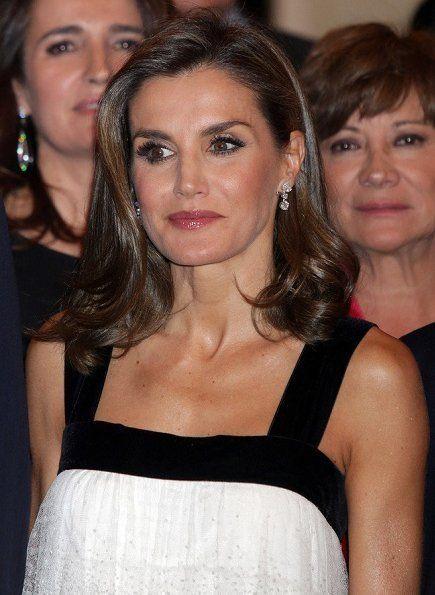 Koningin Letizia en Koning Felipe wonen de Francisco Cerecedo Journalism Awards bij