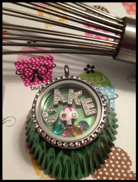 Cupcake! - South Hill Designs Locket South Hill Designs by Jothelyn    Independent Artist #136784 www.southhilldesigns.com/jothelyn  Facebook- South Hill Designs/Jothelyn Email- rjlmontalvo@gmail.com