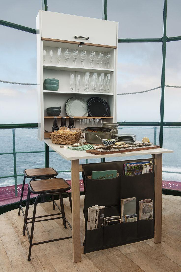Klaffi-kaappi avautuu ruokapöydäksi tarvittaessa. Illallisjuhlia voi järjestää myös pikkukeittiössä! | Petra-keittiöt | #size0kitchen