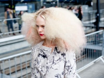9 Tips for Dealing with Frizzy Hair …  Tips for frizzy hair I'm going to mention today will help you get your unruly curls in check, tame frizzy hair or simply frizzy bits and …