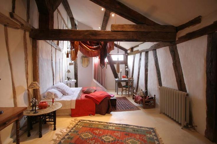 Indian themed bedroom interior designs pinterest for 6 x 8 bedroom ideas
