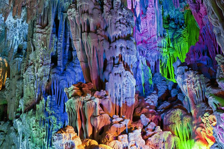 reed-flute-cave.stalagmites-and-stalactites. Gotta visit this! natureflip.com