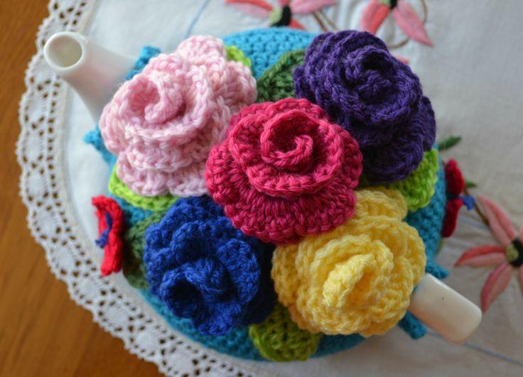 Gorgeous Flower #Crochet Tea Cosy Pattern♡ Teresa Restegui http://www.pinterest.com/teretegui/ ♡