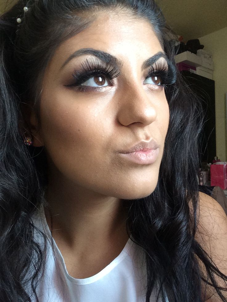 Huge eyelashes