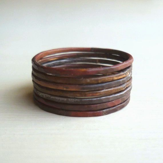 Rustic Stacked Rings - Oxidized - Patina - Hammered - Unisex - Warm - Grey - Industrial Chic - Burnt - Mixed Metal- Stacked Rings- Boho Chic op Etsy, 45,20€