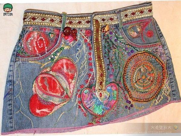 Te muestro ideas einspiración para reciclar pantalones vaqueros haciendo maravillosos bolsos. Pon en marcha tu creatividad con estos maravillosos bolsos y haz el tuyo totalmente personalizado y ún…