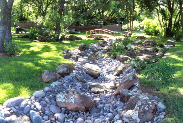 dry creek bed landscaping ideas | Landscaping Photo Gallery :: OUR LANDSCAPE DESIGNS :: Smith_Dry_Creek ...