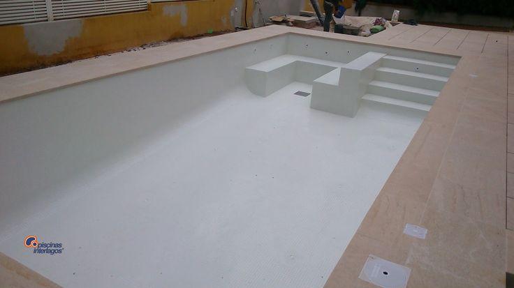 Piscina acabados en v treo blanco piscinas cl sicas de - Piscina gresite blanco ...