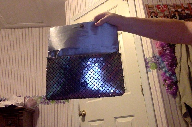 this is like  chain link armer but made into a purse