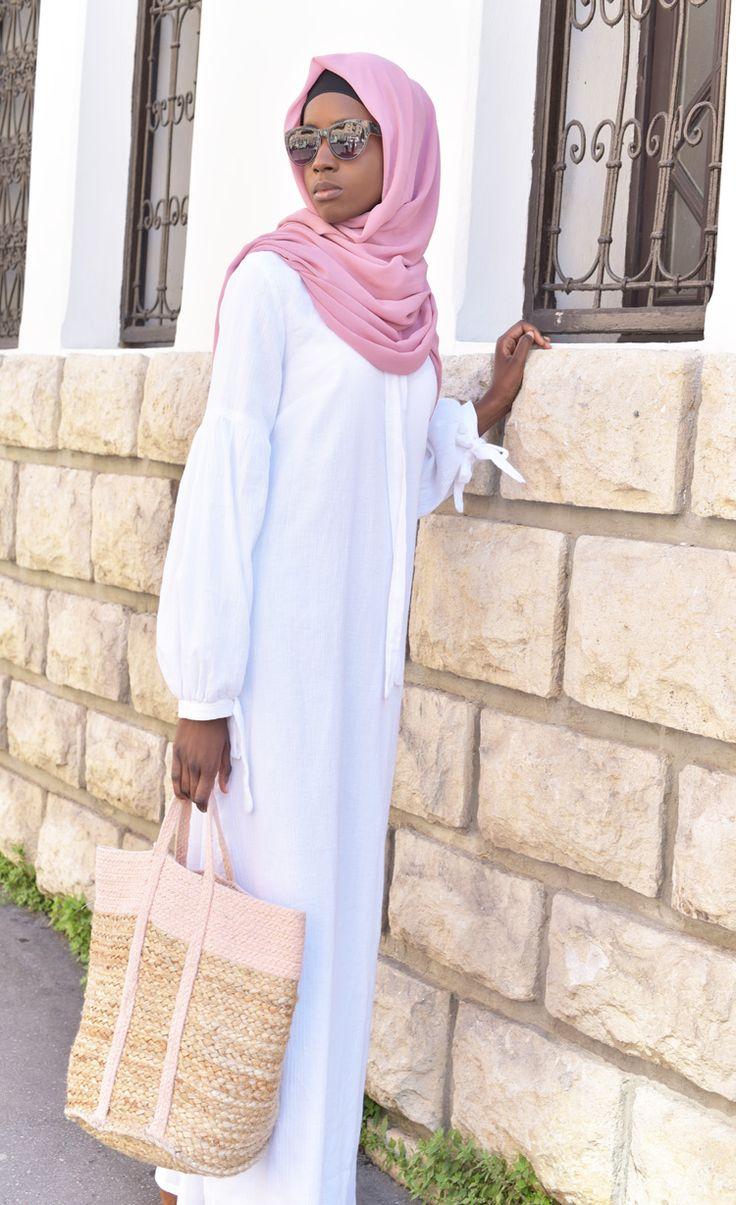 Voir cette épingle et d\u0027autres images dans Collection RAMADAN 2017, Abaya,  robe longue, pantalon palazzo, tunique  par fringadine.