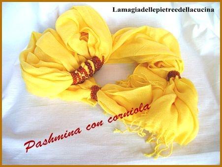 Pashmina gialla con corniola
