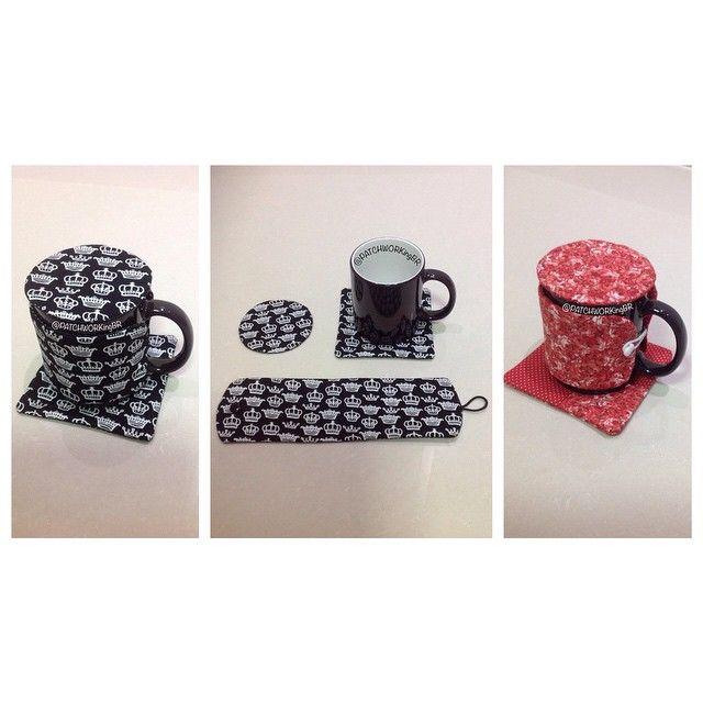 Kit Mug Rug 2 4 peças - caneca, tapete, abafador e capa para caneca para substituir o sem graça copo descartável na mesa de trabalho no chá/café/chocolate da manhã e/ou da tarde. ☕️