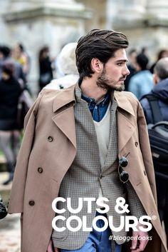 Een modieuze haarstijl voor mannen met een middenlengte