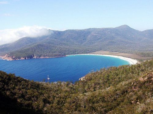 Tassie's top five - according to blogger  Sharon Gourlay - did your favourite make the list? #wineglassbay #hobart #tasmania #discovertasmania http://www.venere.com/blog/best-places-in-tasmania/