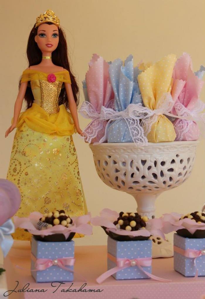 Disney Princess Party via Kara's Party Ideas   Kara'sPartyIdeas.com #DisneyPrincess #PartyIdeas #Supplies #SnowWhite #Cinderella (30)