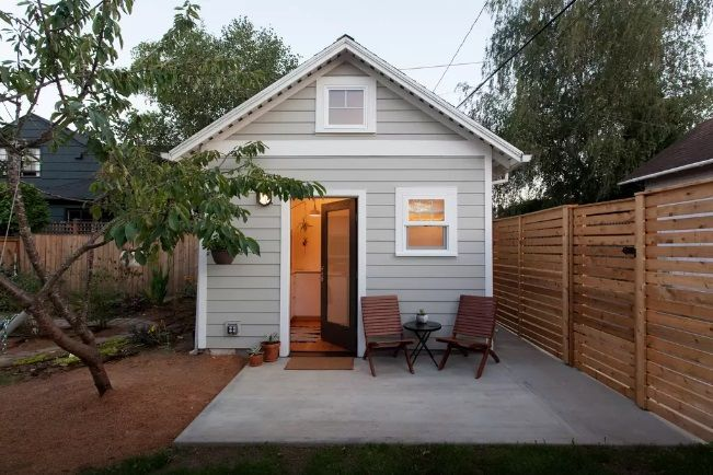 Stylish portland tiny house by emily katz nice house pinterest houses tiny houses and - Container homes portland oregon ...