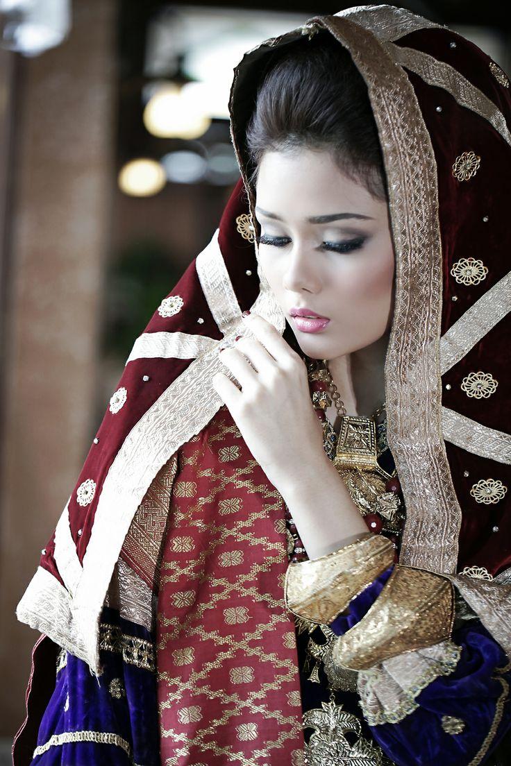 Koto Gadang bride I Mahligai Magazine