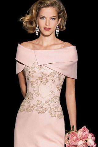 Vestido de fiesta largo color nude modelo 3342 de Teresa Ripoll