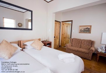 Twin beds in an en-suite room at Camdeboo Cottages - B or Self-Catering Accommodation in Graaff-Reinet, gem of the karoo - follow us on Facebook - www.facebook.com/camdeboo    #travel #Karoo #EasternCape #SouthAfrica #GraaffReinet