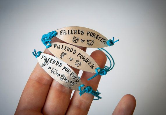 Friendship bracelet bracelet with engraved metal by SilviaWithLove