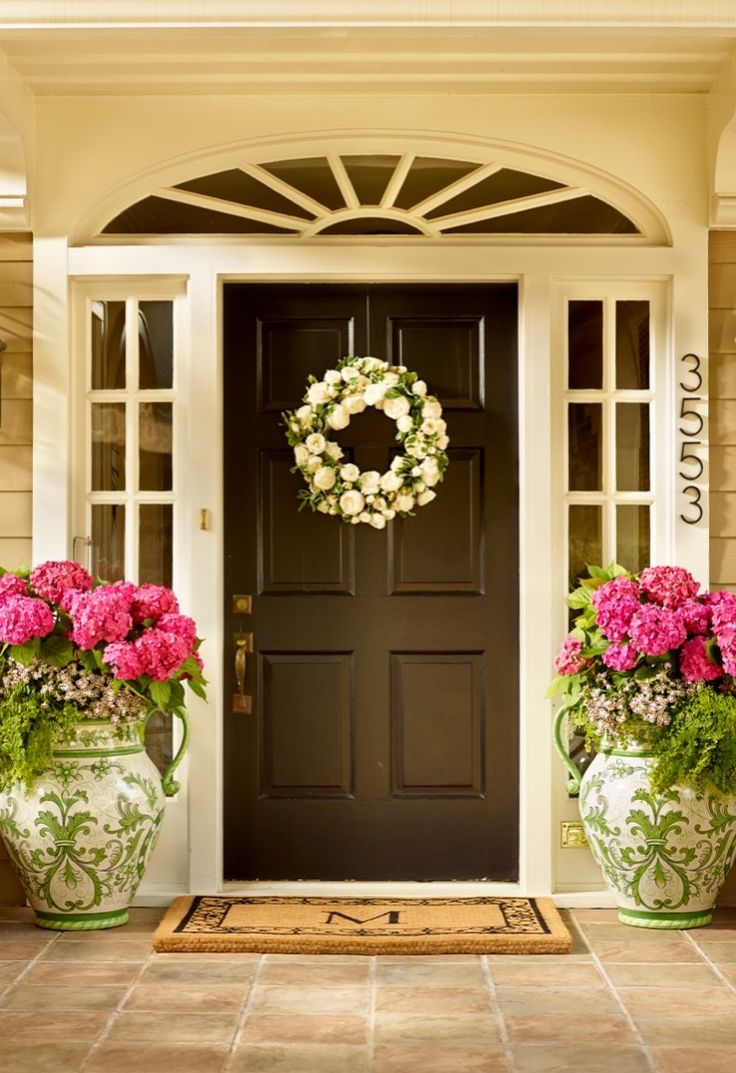 Modern front doors black - Frontgate Loves A Grand Entrance And The Wayland Monogrammed Coco Mat Is