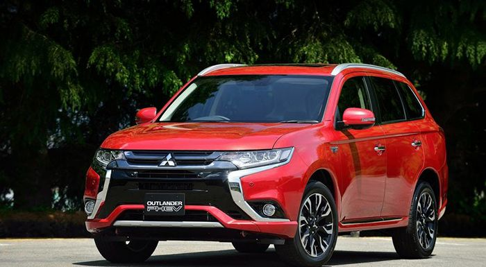 new 2016-mitsubishi-outlander-phev-reviews