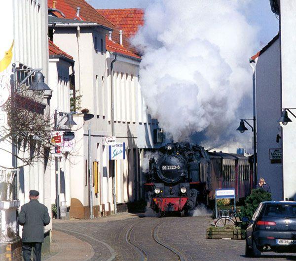 Artikel om den smalsporede jernbane mellem Bad Doberan og Heiligendamm (Mecklenburg-Vorpommern).