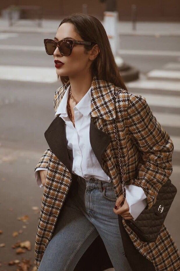 Plaid blazer outfit casual chic.